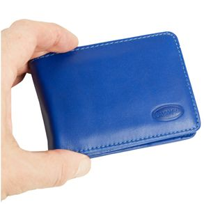 Branco, 12022 - Kleine Geldbörse bzw. Mini Portemonnaie aus Leder in Blau, Aufsicht, von Hand gehalten - 07