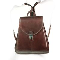 Branco br96 - Kleiner, brauner Lederrucksack bzw. Rucksackhandtasche, Frontansicht - 02
