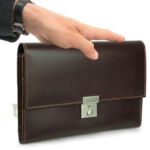 Jahn-Tasche, 1021 - Braune A5 Dokumentenmappe bzw. Dokumentenasche, Seitenansicht, von  Hand gehalten - 05