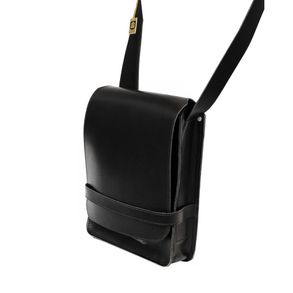 Jahn-Tasche – Men's handbag size M / shoulder bag made out of  leather, A4 upright format, black, model 685