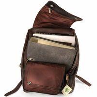 JJahn-Tasche 711 - Großer, brauner Lederrucksack bzw. Laptop Rucksack, Aufsicht geöffnet, Inhalt A4-Aktenordner und Laptop - 05