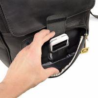 Jahn-Tasche 711 - Großer, schwarzer Lederrucksack bzw. Laptop Rucksack, Fokus auf  geöffnete Außentasche vorne mit Handyfach - 04