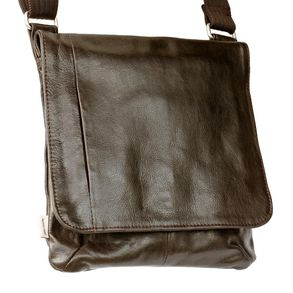 Jahn-Tasche – shoulder bag size M / handbag made out of Nappa leather with a padded tablet computer compartment, brown, model 428