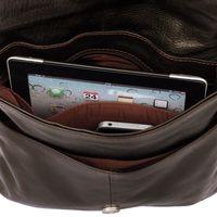 Jahn-Tasche, 418 – Mittelgroße, braune Handtasche bzw. Umhängetasche aus Leder, Detailansicht Innenfächer, Inhalt Tablet-PC - 05