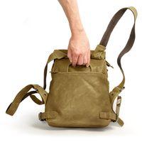 Harolds 223702 - Kleiner, khaki-farbener Lederrucksack bzw. Rucksackhandtasche, Rückansicht mit Fokus auf zusätzlichen Tragegriff - 05