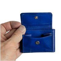 Branco, 103 - Sehr kleine Geldbörse bzw. Mini-Portemonnaie in blau, Detailansicht Münzfach mit Hand - 02
