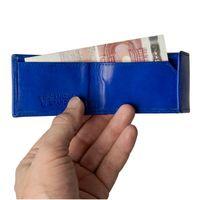 Branco, 103 - Sehr kleine Geldbörse bzw. Mini-Portemonnaie in blau, Detailansicht Geldscheinfach aufgeklappt mit Hand - 03