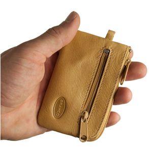 Branco, 019 - Kleines Schlüsseletui bzw. Schlüsselmäppchen aus Leder in beige, Rückansicht mit Reißverschlussfach - 01
