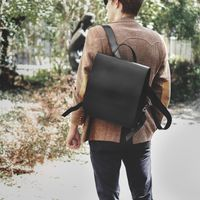 Jahn-Tasche – Medium-sized leather backpack / teacher backpack size M made out of leather, black, model 668-9