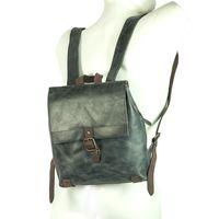 Harolds 255802 – Eleganter, blau-grauer Lederrucksack bzw. Cityrucksack, Frontansicht auf Rücken getragen - 02