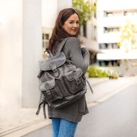 Hamosons – Large leather backpack size L / laptop backpack up to 15.6 inches, made out of nappa leather, anthracite grey, model 560