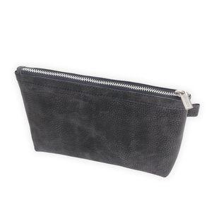 Jahn-Tasche, 008 -  Praktische Pouch bzw. Leder-Täschchen aus Büffelleder in Blau-Schwarz, Frontansicht - 01